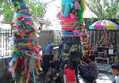 Mae Nak Phra Khanong Shrine lucky numbers